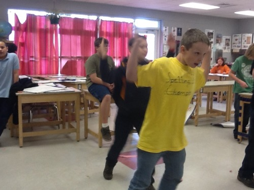 Just_dance_3_in_the_classroom_032