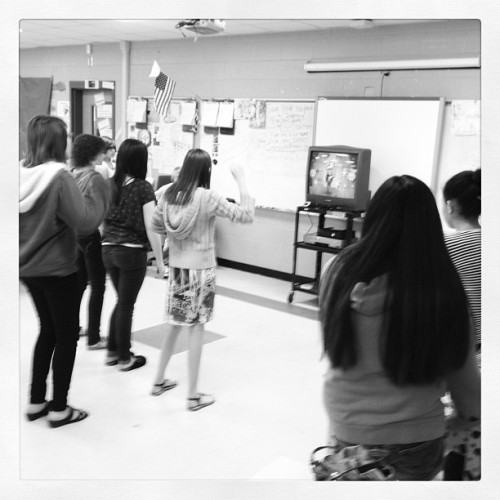 Just_dance_3_in_the_classroom_059